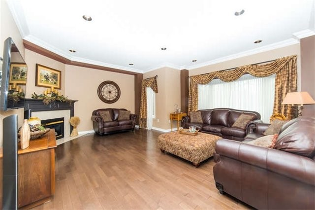 Detached at 36 Campbell Dr, Uxbridge, Ontario. Image 18