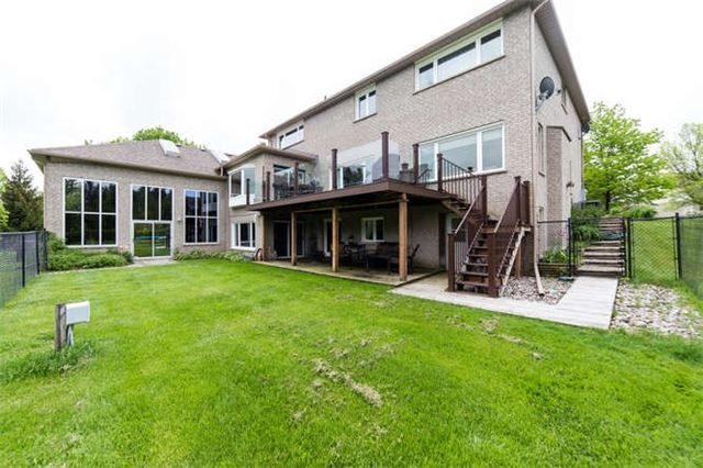Detached at 36 Campbell Dr, Uxbridge, Ontario. Image 8