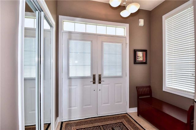 Detached at 50 Daiseyfield Cres, Vaughan, Ontario. Image 12