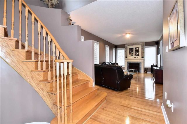 Detached at 50 Daiseyfield Cres, Vaughan, Ontario. Image 14