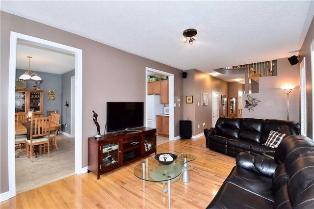 Detached at 50 Daiseyfield Cres, Vaughan, Ontario. Image 15