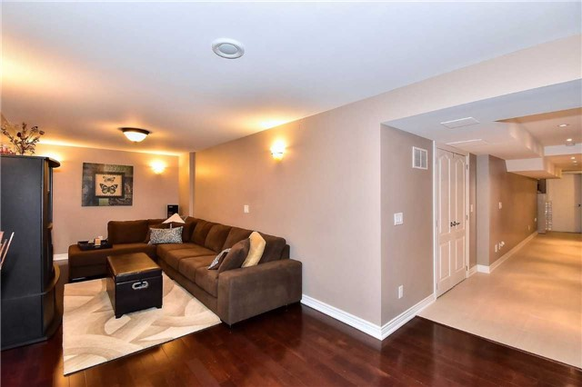 Detached at 50 Daiseyfield Cres, Vaughan, Ontario. Image 16