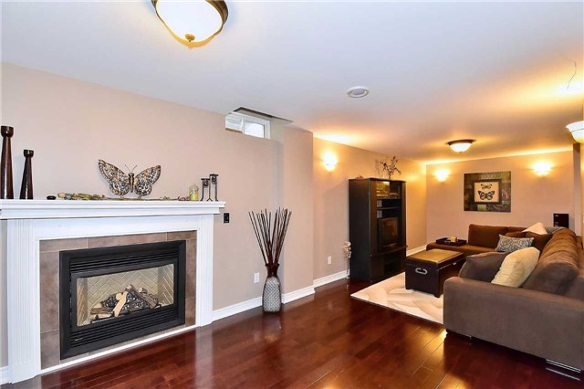 Detached at 50 Daiseyfield Cres, Vaughan, Ontario. Image 17