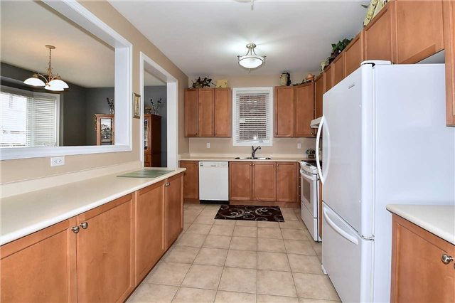 Detached at 50 Daiseyfield Cres, Vaughan, Ontario. Image 19