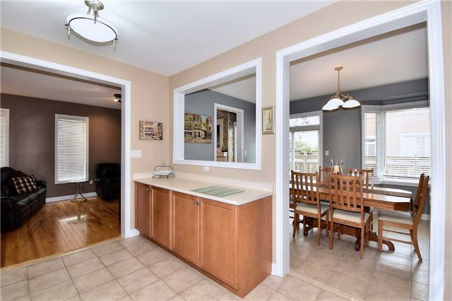 Detached at 50 Daiseyfield Cres, Vaughan, Ontario. Image 20