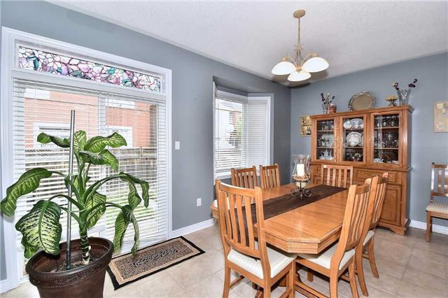 Detached at 50 Daiseyfield Cres, Vaughan, Ontario. Image 2