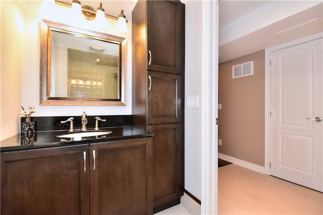 Detached at 50 Daiseyfield Cres, Vaughan, Ontario. Image 7