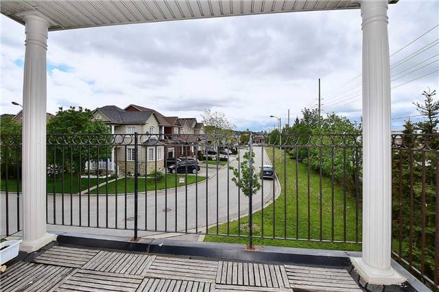 Detached at 50 Daiseyfield Cres, Vaughan, Ontario. Image 8