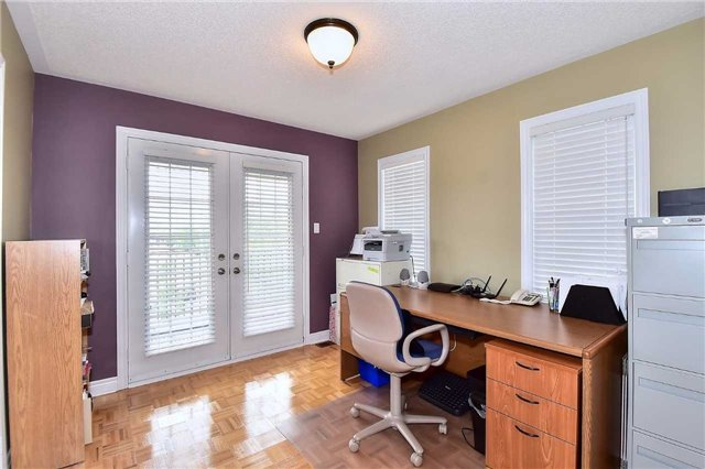 Detached at 50 Daiseyfield Cres, Vaughan, Ontario. Image 10