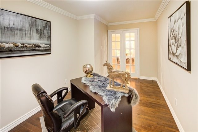 Detached at 579 Village Pkwy, Markham, Ontario. Image 10