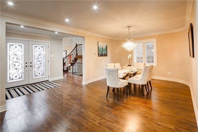 Detached at 579 Village Pkwy, Markham, Ontario. Image 13