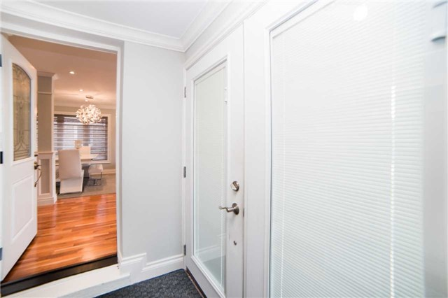 Detached at 271 Sussex Ave, Richmond Hill, Ontario. Image 14