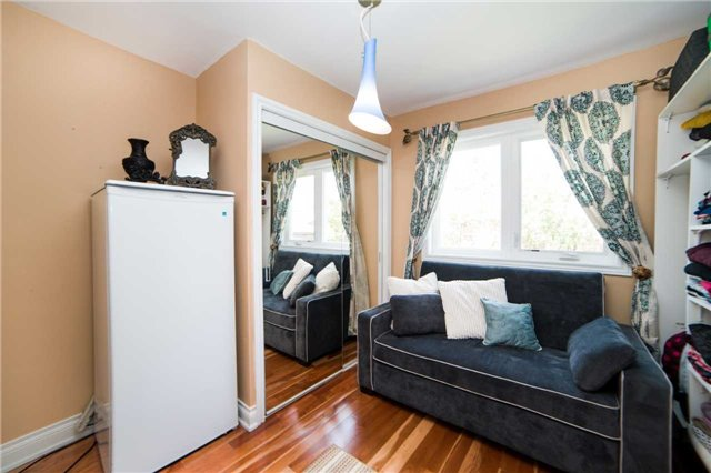 Detached at 271 Sussex Ave, Richmond Hill, Ontario. Image 20