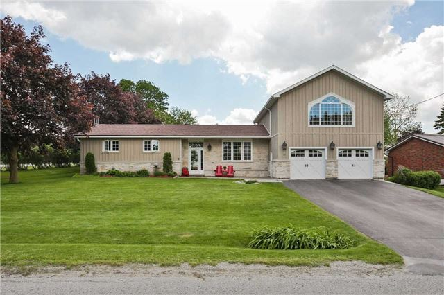 Detached at 2 Cerswell Dr, Bradford West Gwillimbury, Ontario. Image 1