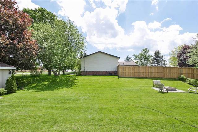 Detached at 2 Cerswell Dr, Bradford West Gwillimbury, Ontario. Image 14