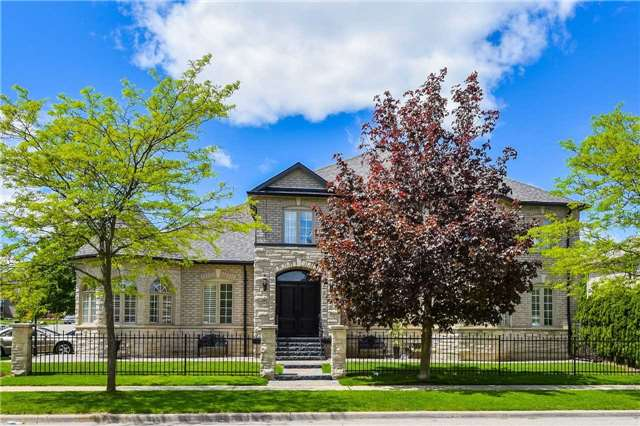 Detached at 1 Langtry Pl, Vaughan, Ontario. Image 1