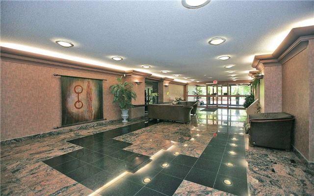 Condo Apartment at 100 Arbors Lane, Unit 401, Vaughan, Ontario. Image 12