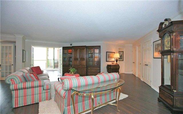 Condo Apartment at 100 Arbors Lane, Unit 401, Vaughan, Ontario. Image 15