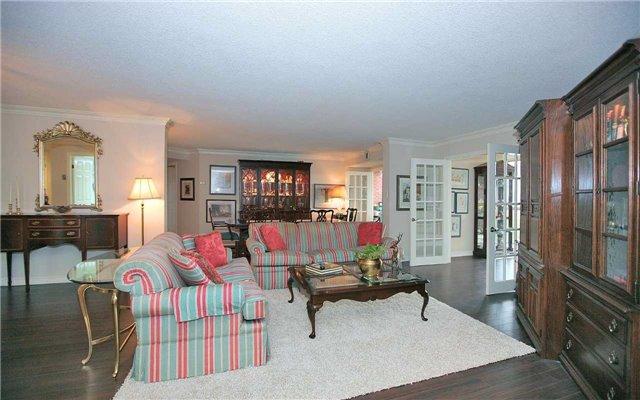 Condo Apartment at 100 Arbors Lane, Unit 401, Vaughan, Ontario. Image 16