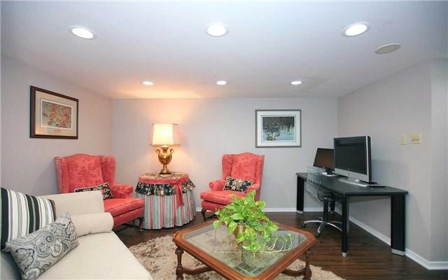 Condo Apartment at 100 Arbors Lane, Unit 401, Vaughan, Ontario. Image 4