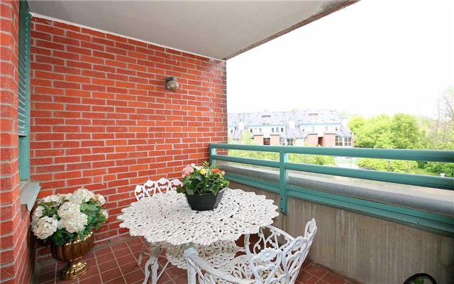 Condo Apartment at 100 Arbors Lane, Unit 401, Vaughan, Ontario. Image 8