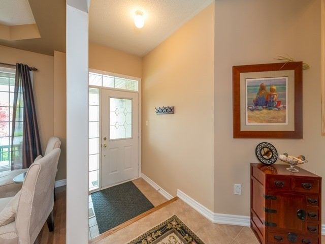 Detached at 64 Timber Valley Ave, Richmond Hill, Ontario. Image 12