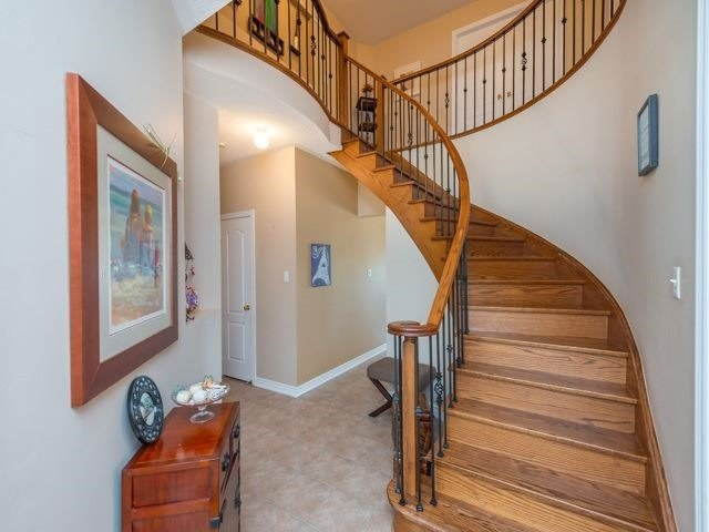 Detached at 64 Timber Valley Ave, Richmond Hill, Ontario. Image 14
