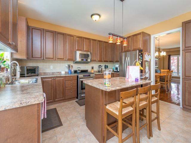 Detached at 64 Timber Valley Ave, Richmond Hill, Ontario. Image 16