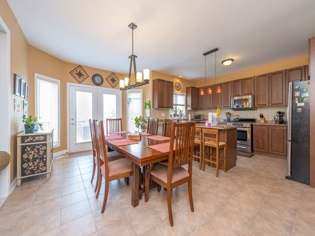Detached at 64 Timber Valley Ave, Richmond Hill, Ontario. Image 17