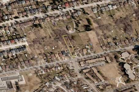 Detached at 64 Weldrick Rd W, Richmond Hill, Ontario. Image 1