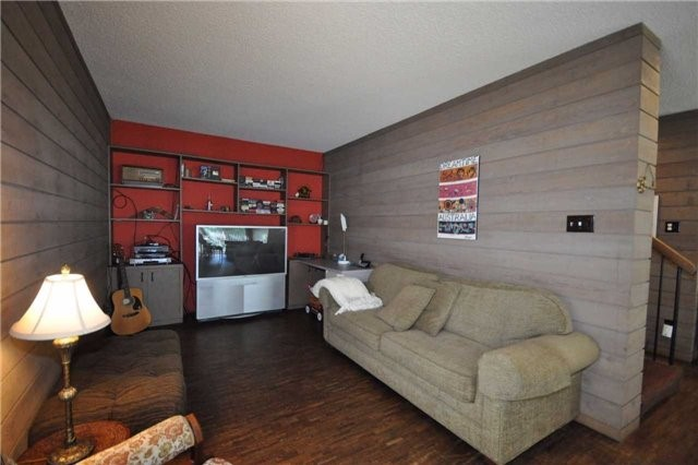 Detached at 2644 Herald Rd, East Gwillimbury, Ontario. Image 10