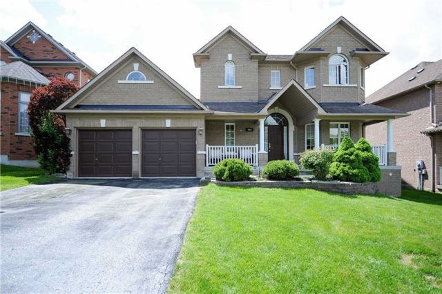 Detached at 990 Northern Prospect Cres, Newmarket, Ontario. Image 1