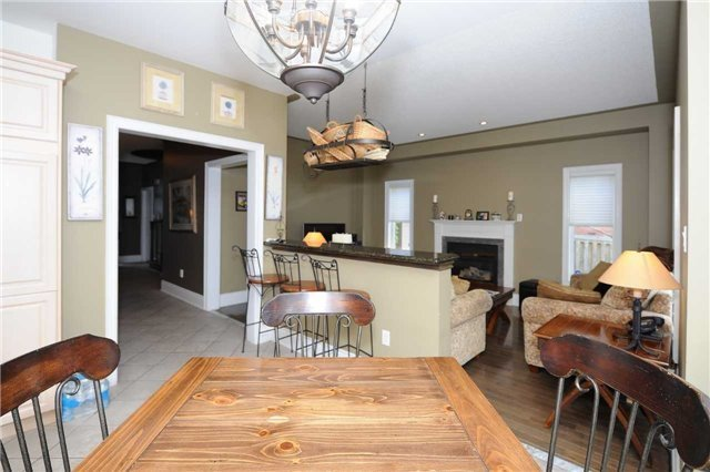 Detached at 990 Northern Prospect Cres, Newmarket, Ontario. Image 20