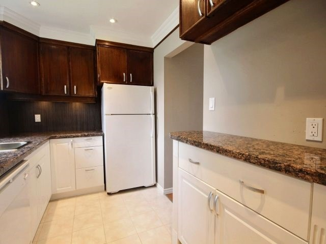 Condo Townhouse at 60 Porterfield Cres, Markham, Ontario. Image 18