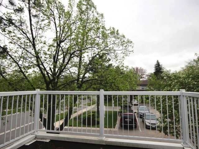 Condo Townhouse at 60 Porterfield Cres, Markham, Ontario. Image 10