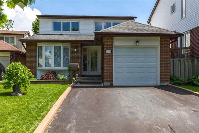 Detached at 206 Stephen St, Richmond Hill, Ontario. Image 1