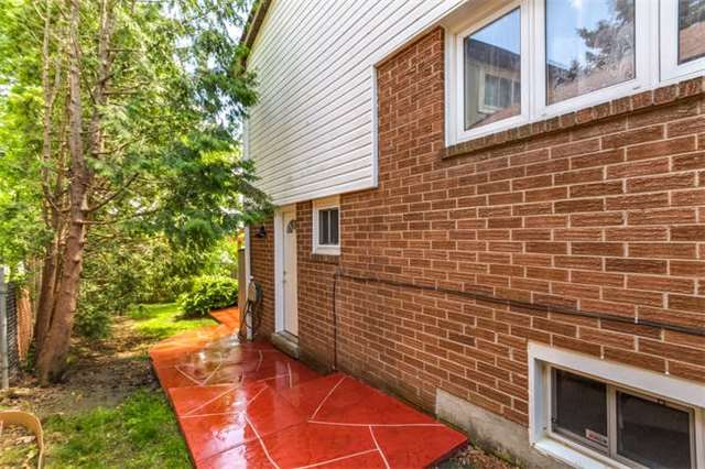 Detached at 206 Stephen St, Richmond Hill, Ontario. Image 7