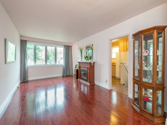 Semi-detached at 174 Taylor Mills Dr N, Richmond Hill, Ontario. Image 13