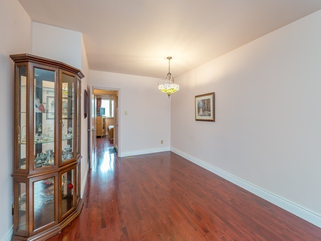 Semi-detached at 174 Taylor Mills Dr N, Richmond Hill, Ontario. Image 15