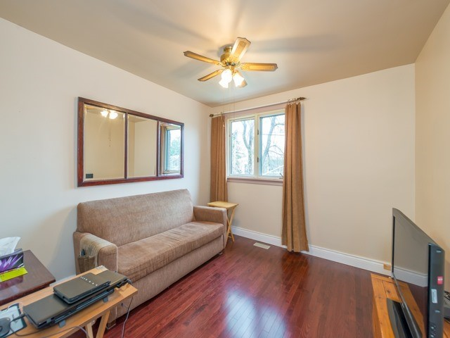 Semi-detached at 174 Taylor Mills Dr N, Richmond Hill, Ontario. Image 17