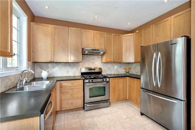 Detached at 306 Reeves Way Blvd, Whitchurch-Stouffville, Ontario. Image 19