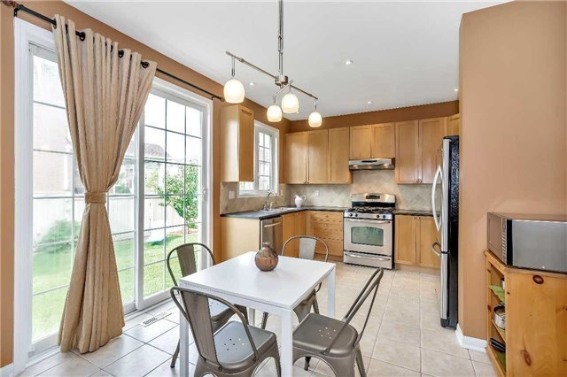 Detached at 306 Reeves Way Blvd, Whitchurch-Stouffville, Ontario. Image 20