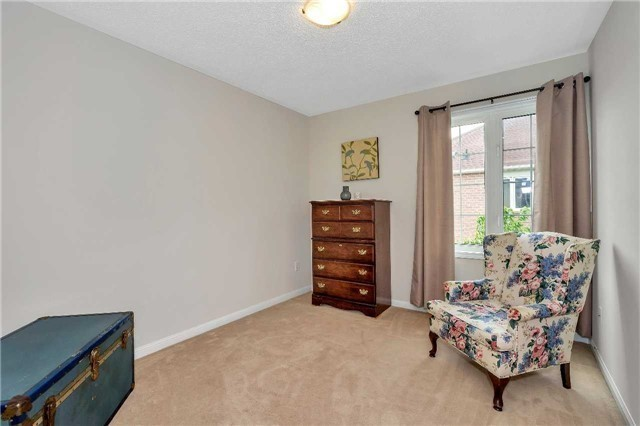 Detached at 306 Reeves Way Blvd, Whitchurch-Stouffville, Ontario. Image 6