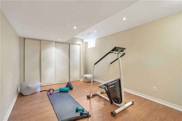 Detached at 306 Reeves Way Blvd, Whitchurch-Stouffville, Ontario. Image 8