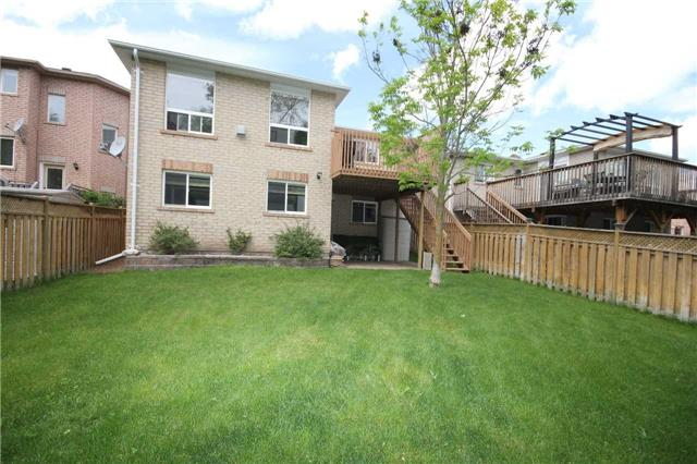 Detached at 1261 Forest St, Innisfil, Ontario. Image 12