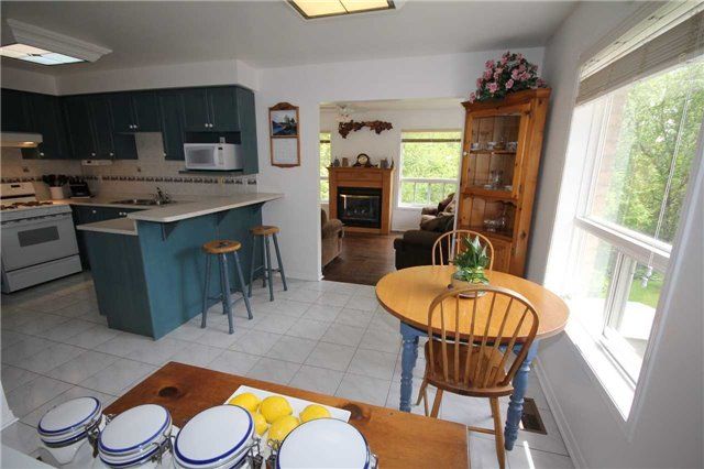 Detached at 1261 Forest St, Innisfil, Ontario. Image 19