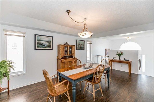 Detached at 1261 Forest St, Innisfil, Ontario. Image 3
