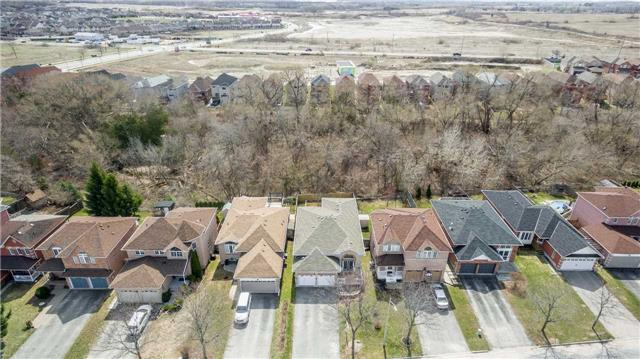 Detached at 1261 Forest St, Innisfil, Ontario. Image 10