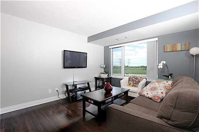 Condo Apartment at 273 South Park Rd, Unit 515, Markham, Ontario. Image 18
