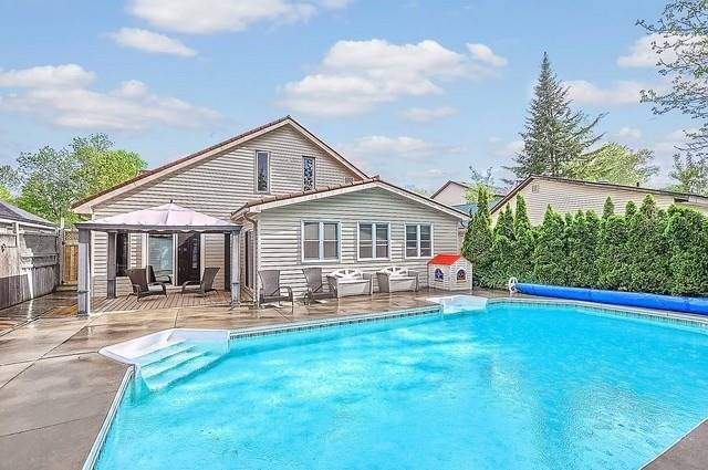 Detached at 680 9th Line, Innisfil, Ontario. Image 10